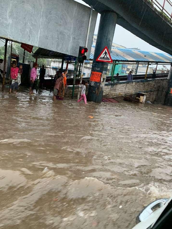 India Tv - Waterlogging outside Matunga Road station on western railway line