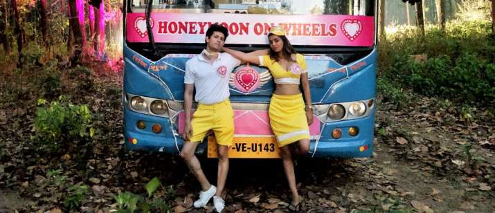 India Tv - Gandi Baat 3: Have a look at some fun pictures from the sets of ALTBalaji's saucy web series