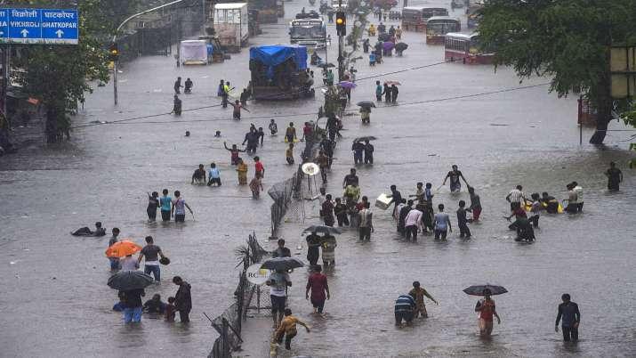 Mumbai rains Live Updates: Over 8,000 evacuated amid heavy