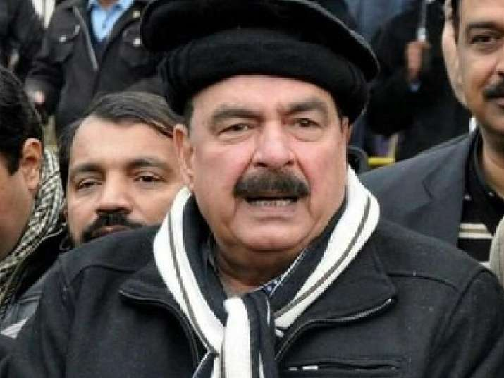 Pakistani Railway Minister Sheikh Rashid Ahmed pelted with eggs, punched in UK