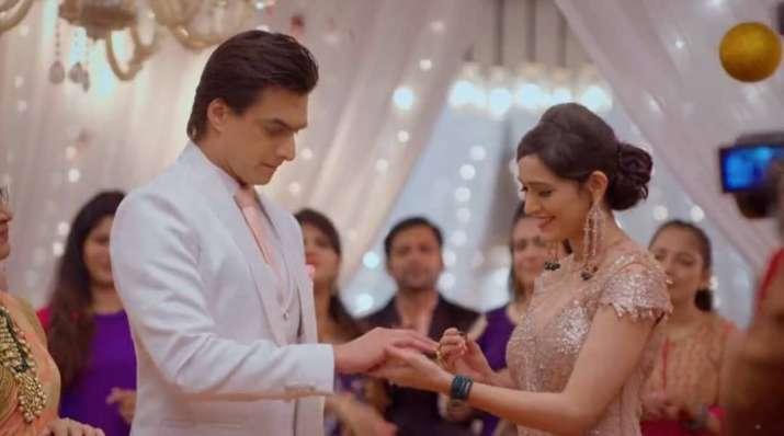 India Tv - Yeh Rishta Kya Kehlata Hai actors Pankhuri Awasthy and Mohsin Khan