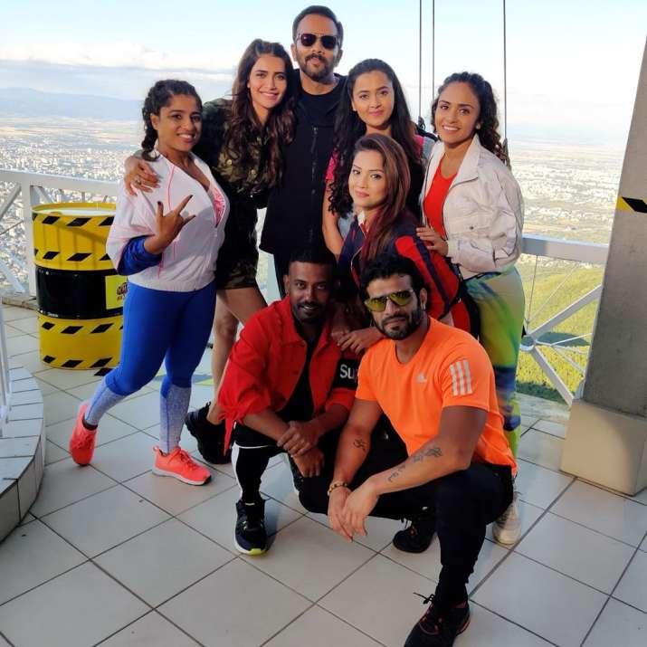 India Tv - Karishma Tanna and other contestants with host Rohit Shetty on Khatron Ke Khiladi 10