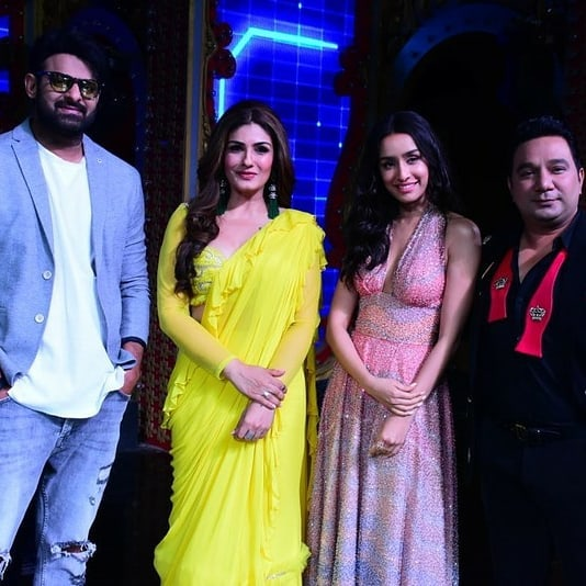 India Tv - Prabhas and Raveena Tandon recreate Salman Khan's Jumme Ki Raat hook step on Nach Baliye 9