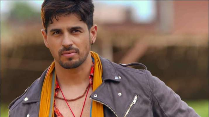 India Tv - Jabariya Jodi Movie Review: Sidharth Malhotra as Abhay in Jabariya Jodi