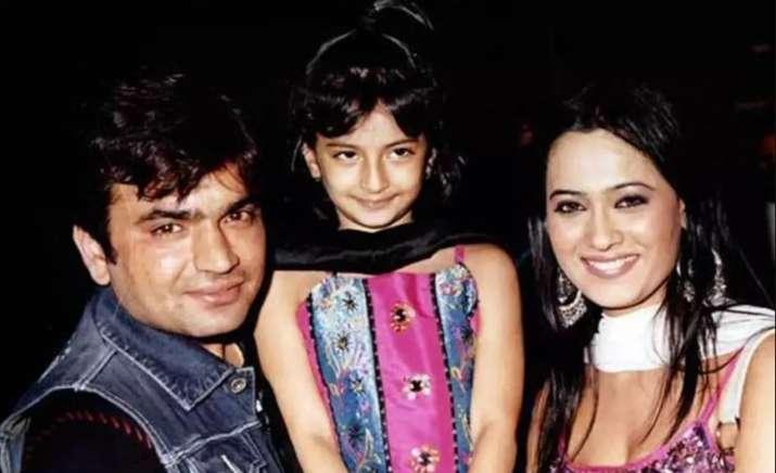 India Tv - Shweta Tiwari with Raja Chaudhary and Palak