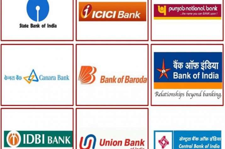 Bank employees stage protest against Centre's decision to