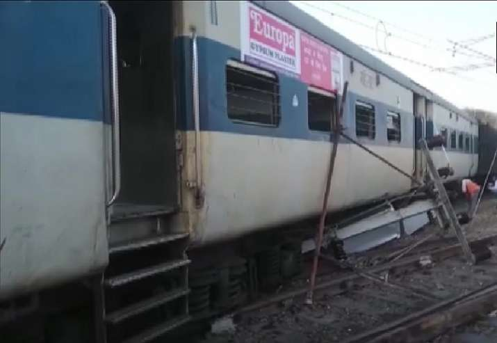 Two bogies of Lucknow-Kanpur MEMU train derail at Kanpur station