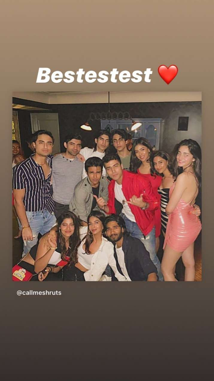 India Tv - Ananya Panday parties with Shah Rukh Khan's son Aryan and friends