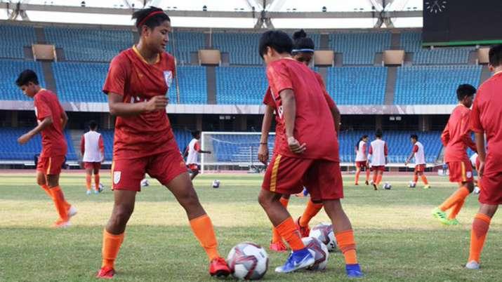 indian womens football team captain - 715×402