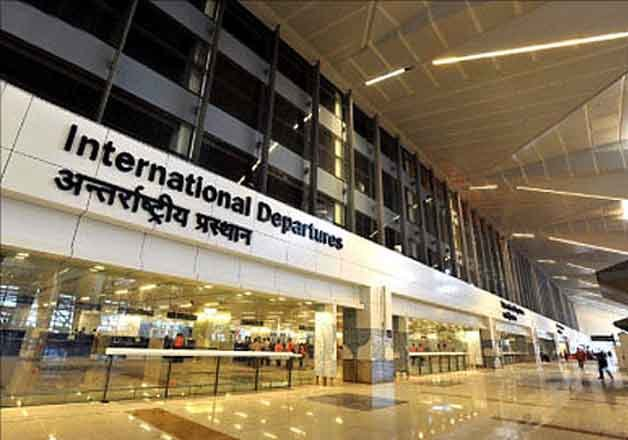5 foreigners trying to smuggle out nearly half-million USD held at Delhi airport