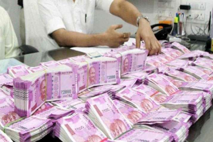 Income tax dept unearths Rs 700 crore undisclosed income in