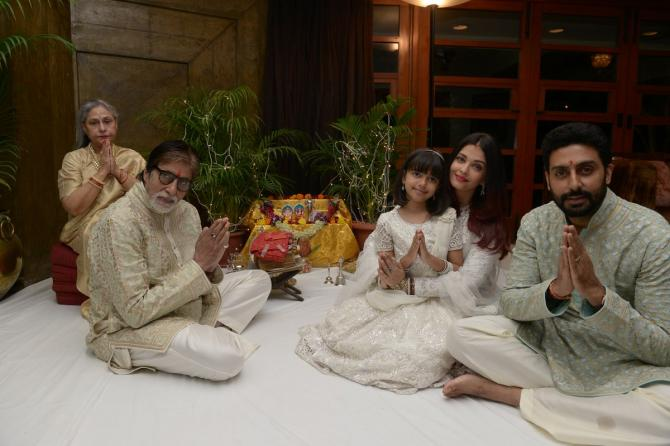 India Tv - Bachchan family during a pooja held at Jalsa.