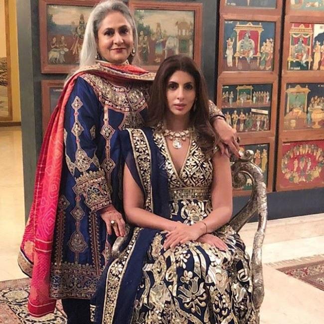 India Tv - Jaya Bachchan with daughter Shweta at Jalsa.