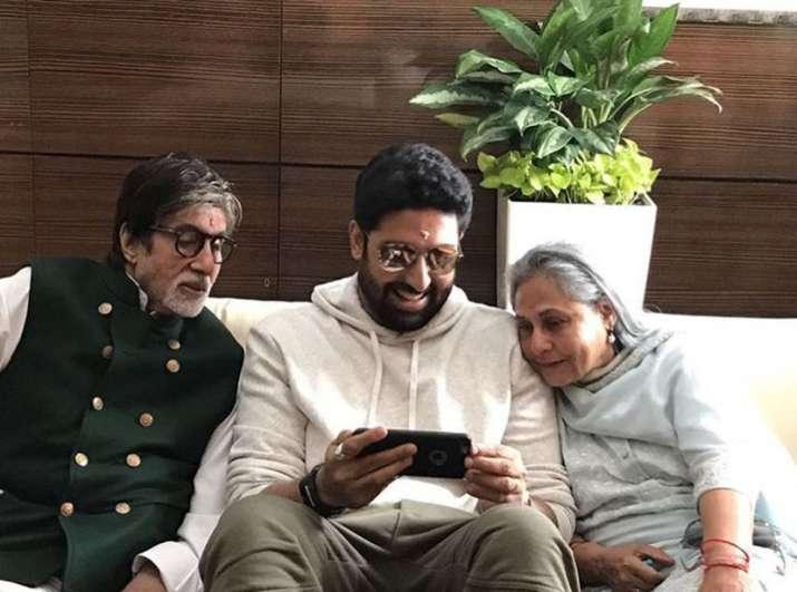 India Tv - Amitabh Bachchan, Jaya and Abhishek at Jalsa.