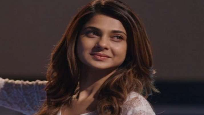 Beyhadh 2: Jennifer Winget surprises fans by announcing her return as Maya