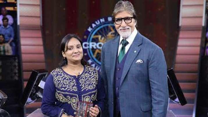India Tv - Kaun Banega Crorepati 11(KBC): Can you answer this Rs 1 cr question that stumped Charna Gupta?
