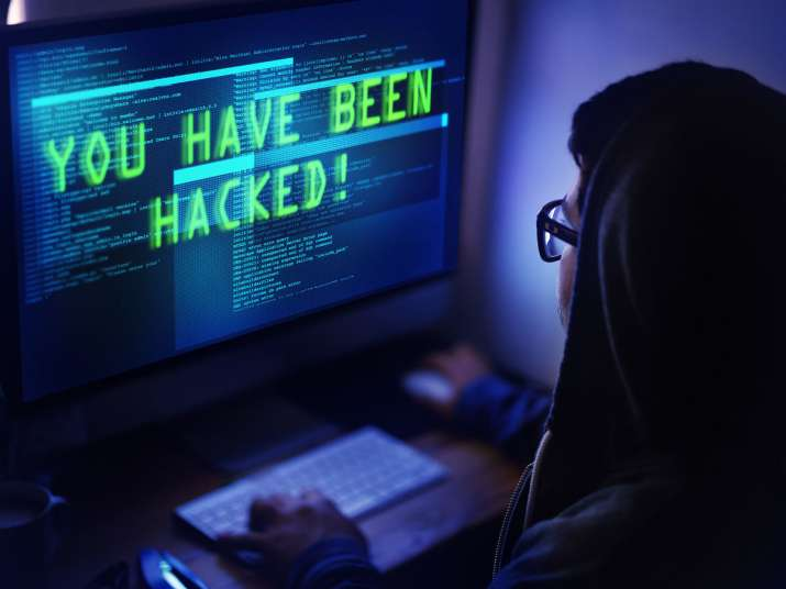 India Tv - Do you use home Wi-Fi for online banking? Beware! Fraudster can steal your money; know how