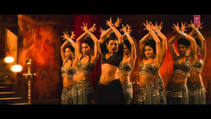 India Tv - Rani Mukerji's belly dance