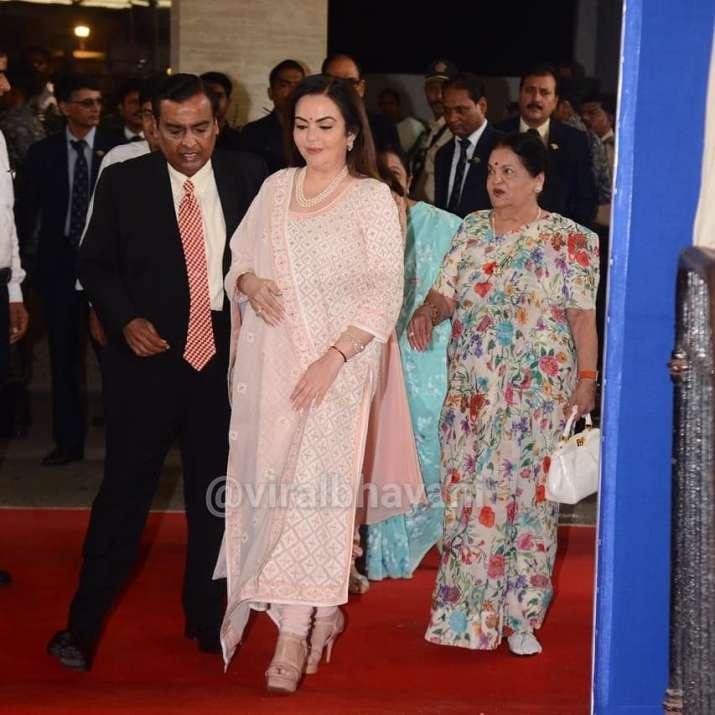India Tv - Nita Ambani and Mukesh Ambani with Kokilaben Ambani