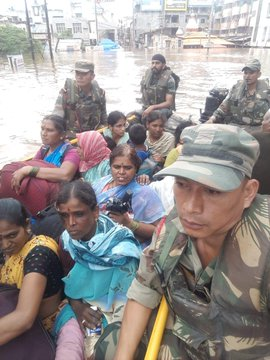 India Tv - Indian Army rescues 6,000 people from flood-affected areas in Maharashtra, Karnataka, Northern Kerala and Tamil Nadu