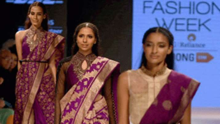 India S Leading Fashion Icons Call For Handloomeveryday Fashion News India Tv