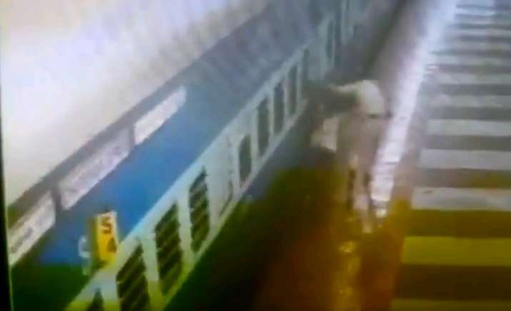 Hyderabad: Alert RPF constable saves passenger's life,