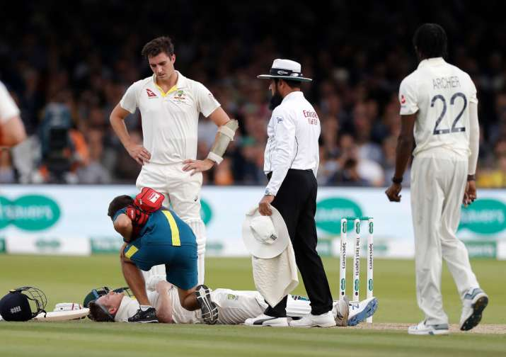 India Tv - The physio attends to Smith after he collapses