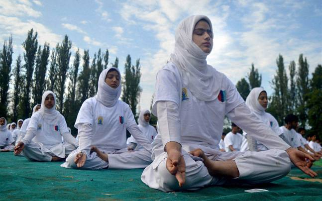 Bharat Thakur to set up yoga centre in Kashmir