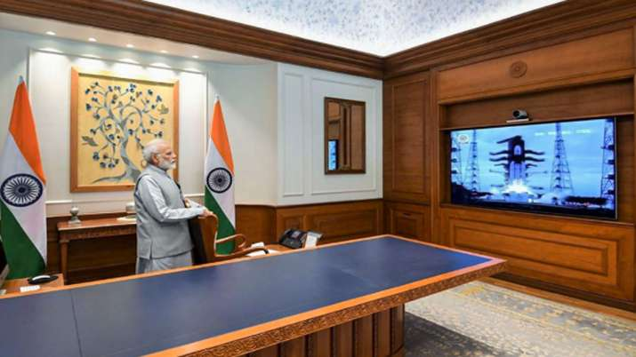 """No need to get dejected"", PM tells ISRO scientists"