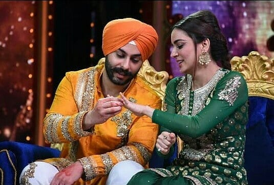 India Tv - Nach Baliye 9: Shraddha Arya and beau Alam Makkar getting engaged on the show?