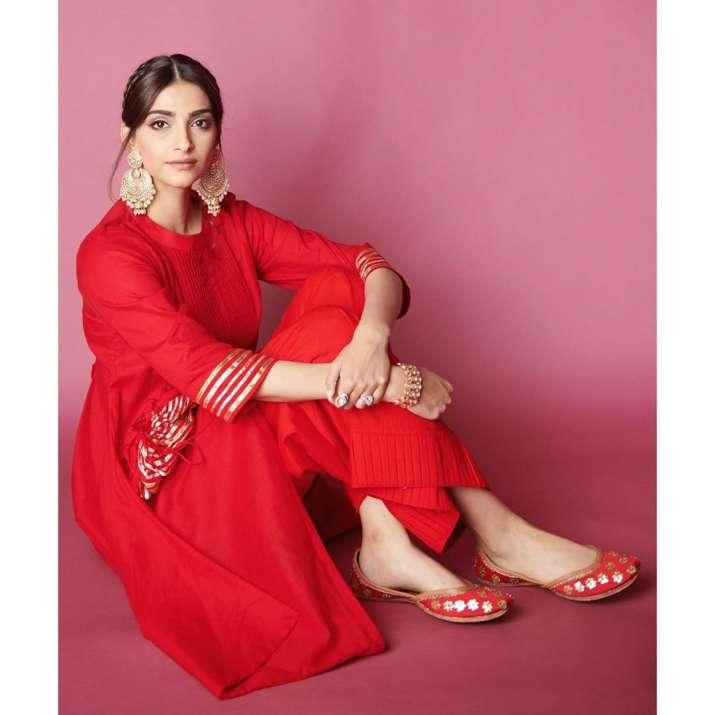 India Tv - The Zoya Factor: Sonam Kapoor reveals who is her lucky mascot