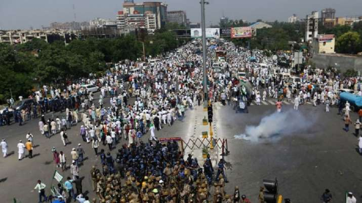 Traffic affected as protesting farmers march from Noida to Delhi; heavy  security deployed   India News – India TV
