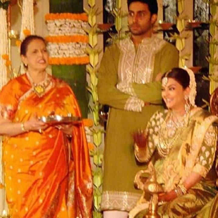 India Tv - Latest News Aishwarya Rai, Abhishek Bachchan glow in golden in these throwback pics from her baby shower