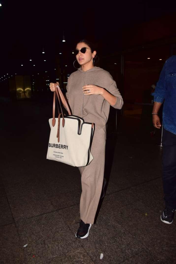 India Tv - Anushka Sharma clicked at the airport