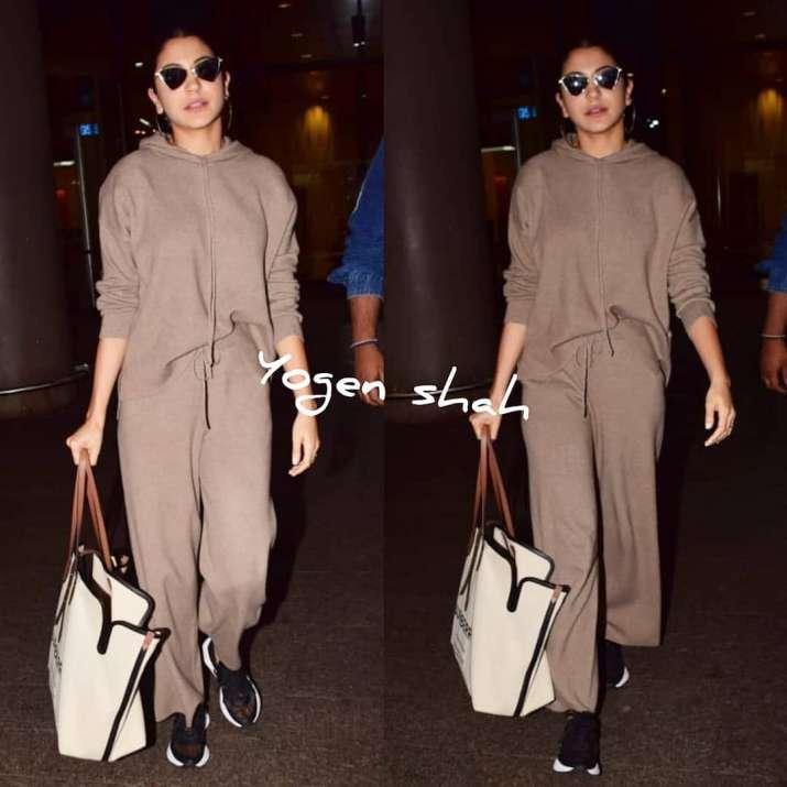 India Tv - Anushka Sharma making heads turn at the airport