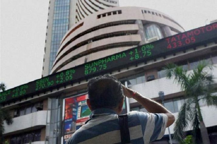 Sensex cracks nearly 300 pts; oil and gas stocks tank