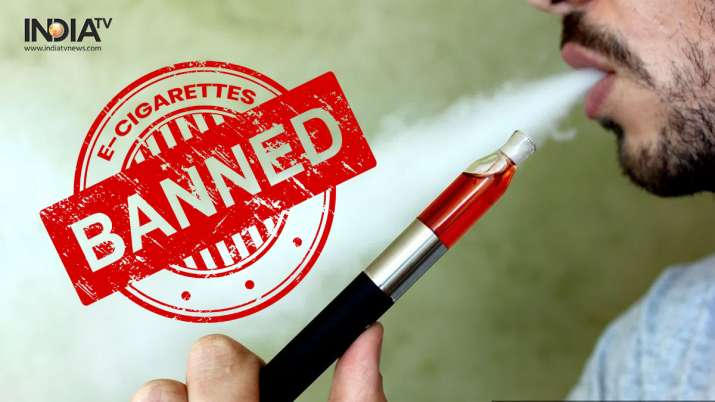 Doctors hail e-cigarettes ban, traders in shock