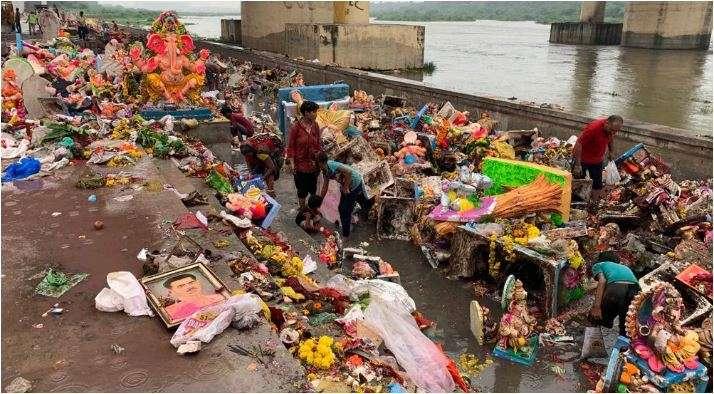 People choose artificical ponds over Sabarmati river for Ganesh Visarjan