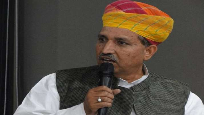 Auto sector problem 'minor', will be resolved soon: Arjun