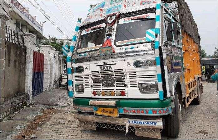 India Tv - J&K Police arrests three terrorist near Jammu-Border