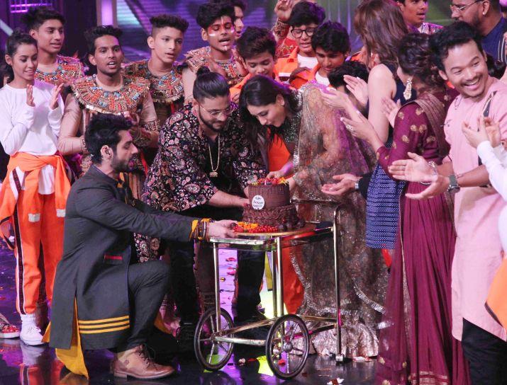 India Tv - Kareena Kapoor Khan celebrates birthday on DID 7