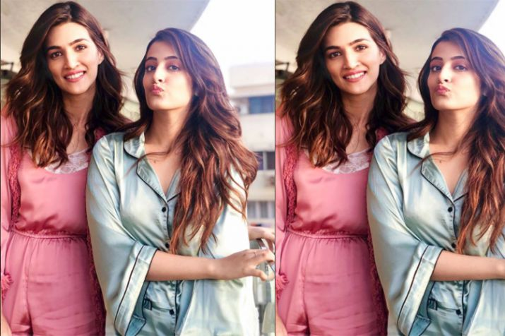 India Tv - Kriti and Nupur Sanon