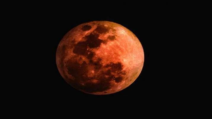 Devotees pray to Moon God to get back Vikram lander's