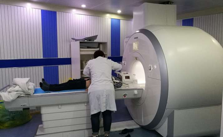India Tv - Doctor forgets 61-year-old patient inside MRI machine. Here's what happened next