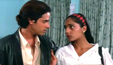 'Nazar ke saamne' is a popular song from the 90s movie