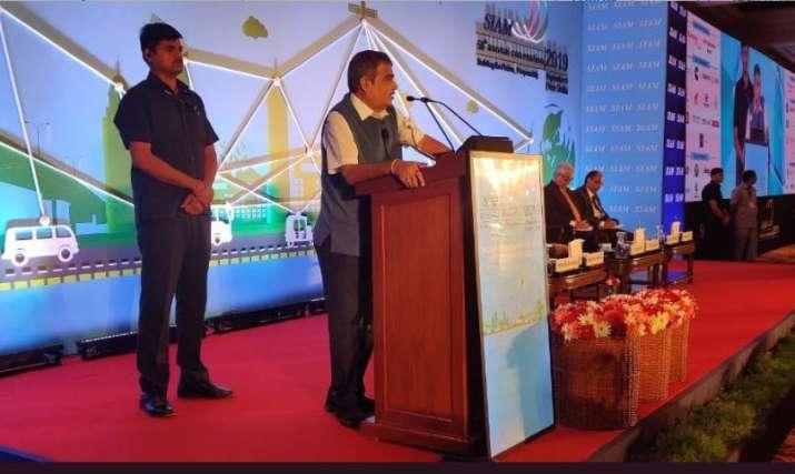 Nitin Gadkari addresses a SIAM annual conference in New Delhi.