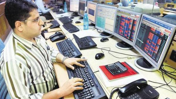 Investors become richer by nearly Rs 7 lakh crore in a day