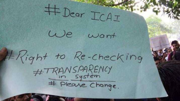 India Tv - CA aspirants stage protest outside ICAI headquarters