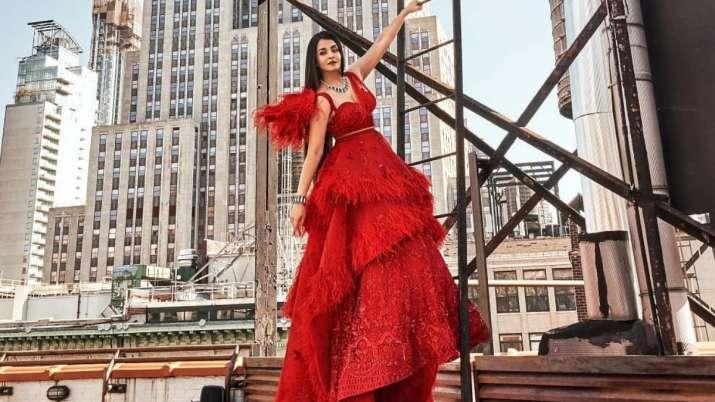 Aishwarya Rai Bachchan's latest magazine cover reminds us of Kate Winslet, Julia Roberts