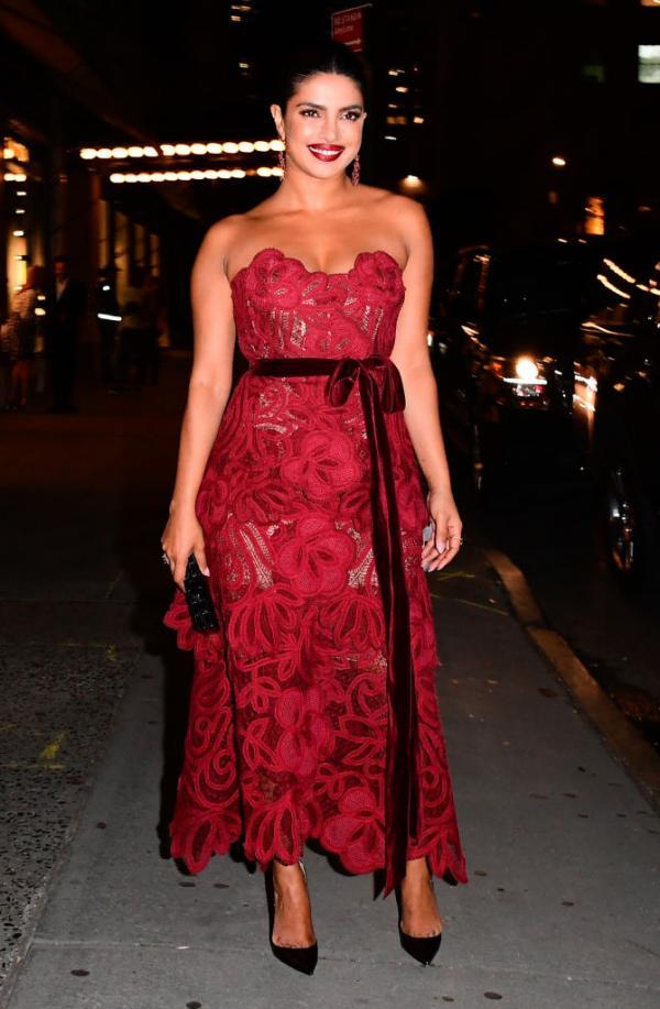 India Tv - Priyanka Chopra at Vanity Fair's Best Dressed Party